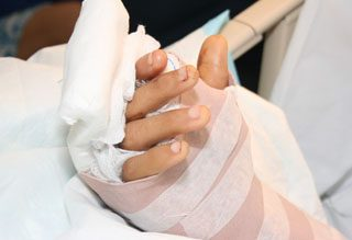 http://www.cirugiademanomerida.com/wp-content/uploads/2015/11/implantes-320x219.jpg